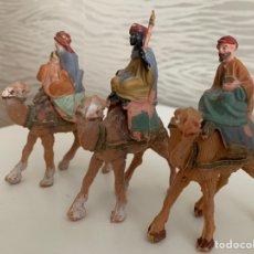 Figuras de Belén: REYES MAGOS. PLÁSTICO. 10 CM. Lote 184775816