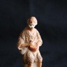 Figuras de Belén: PASTOR CON CUENCO Y MORRAL ,DE BELEN O PESEBRE EN BARRO O TERRACOTA .POSIBLEMENTE SEA DE CASTELLS ¡. Lote 187184188