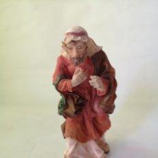 Figuras de Belén: FIGURA DE HOMBRE, POSIBLE MENDIGO. FIGURA PARA BELÉN, PESEBRE, NACIMIENTO. MEDIDA APROX 14 CM ITALIA. Lote 187434725