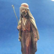 Figuras de Belén: SAN JOSÉ, ESCAYOLA PINTADA A MANO 21CM. Lote 189545453