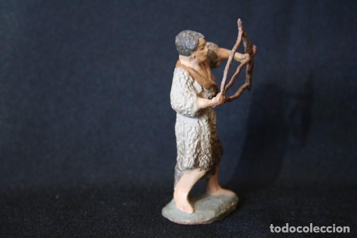 Figuras de Belén: EXTRAORDINARIO PASTOR CON ARCO, DE PESEBRE, BELEN .TERRACOTA O BARRO - Foto 3 - 190214190