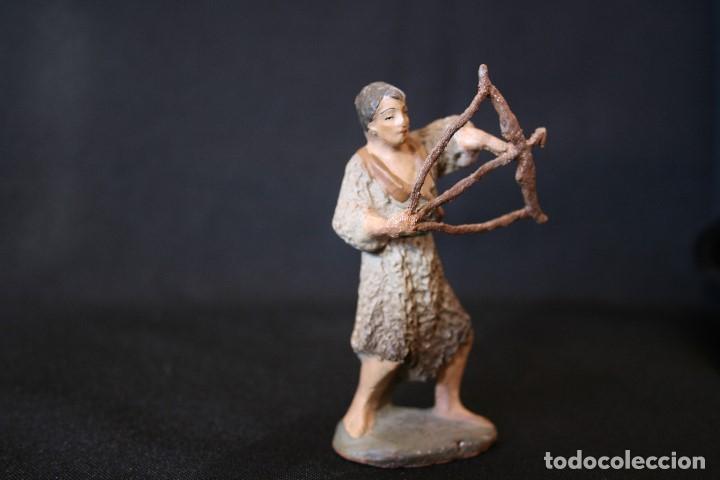 Figuras de Belén: EXTRAORDINARIO PASTOR CON ARCO, DE PESEBRE, BELEN .TERRACOTA O BARRO - Foto 6 - 190214190