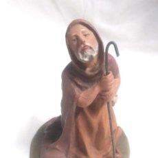 Figuras de Belén: PASTOR ADORANDO, ESTUCO POLICROMADO, ESCUELA DE OLOT AÑOS 40. MED. 9 CM. Lote 191158436