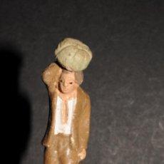 Figuras de Belén: FIGURA DE BELEN O PESSEBRE EN TERRACOTA - PERSONAJE CON CALABAZA. Lote 193417420