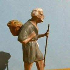 Figuras de Belén: ANTIGUA FIGURA DE BARRO PARA BELEN - NACIMIENTO - PESSEBRE - PASTOR DE 8 CM. TIPO ORTIGAS O CASTELLS. Lote 193552193