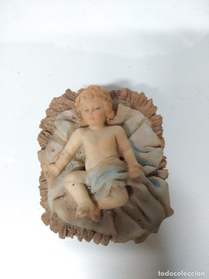 Figuras de Belén: Nacimiento compuesto por 12 figuras fabricadas en resina. Entre 10 y 30 cm altura aprox. cada figura - Foto 2 - 194405400
