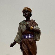 Figuras de Belén: FIGURA EN RESINA DE PAJE NEGRO. Lote 194871366
