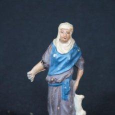 Figuras de Belén: BONITA FIGURA DE PASTORA CON CONEJO EN LA MANO. PESEBRE, BELEN.EN TERRACOTA O BARRO. Lote 195021535