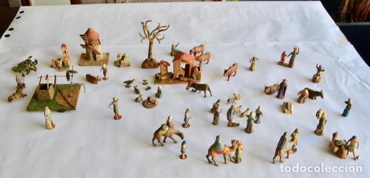 Figuras de Belén: Precioso y Original Belén de Plomo. Figuras, Animales y Accesorios. 53 Elementos. Circa 1930. Raro - Foto 2 - 195215796