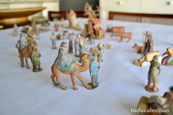 Figuras de Belén: Precioso y Original Belén de Plomo. Figuras, Animales y Accesorios. 53 Elementos. Circa 1930. Raro - Foto 4 - 195215796