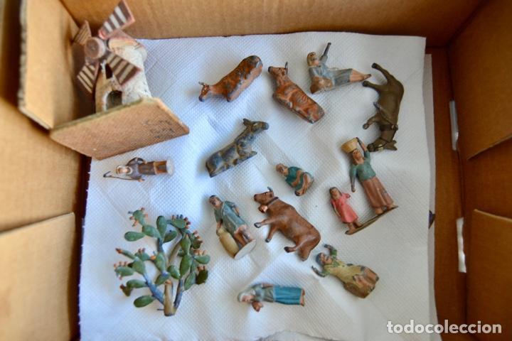 Figuras de Belén: Precioso y Original Belén de Plomo. Figuras, Animales y Accesorios. 53 Elementos. Circa 1930. Raro - Foto 25 - 195215796
