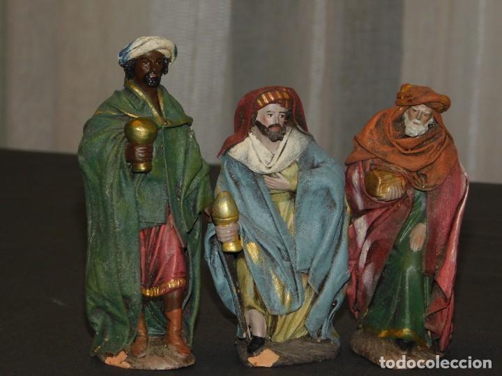 FIGURAS DE BELÉN DE BARRO ENTELADO *REYES MAGOS* (13/11 CM ALT). INF. 8 FOTOS DESCRIPTIVAS. (Coleccionismo - Figuras de Belén)