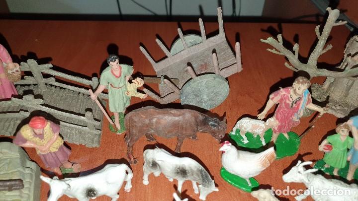 Figuras de Belén: Lote de figuras de plastico antiguas de belen, tipo pech, reamsa - Foto 4 - 195448553