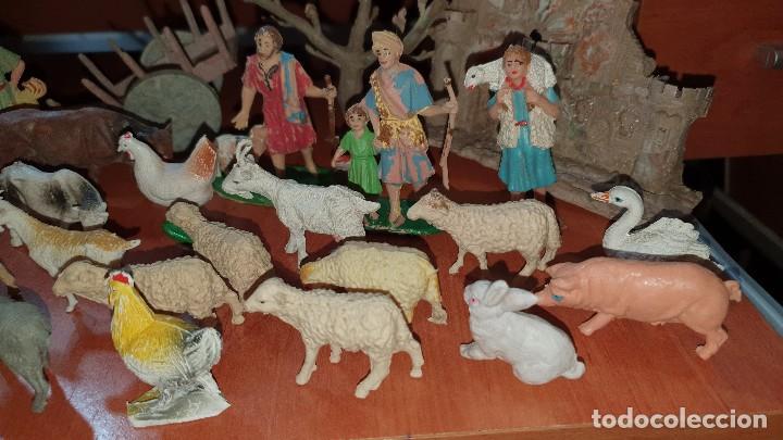 Figuras de Belén: Lote de figuras de plastico antiguas de belen, tipo pech, reamsa - Foto 7 - 195448553