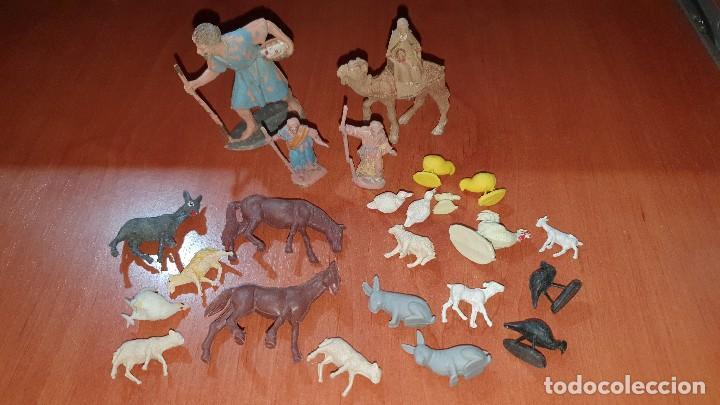 Figuras de Belén: Lote de figuras de plastico antiguas de belen, tipo pech, reamsa - Foto 8 - 195448553