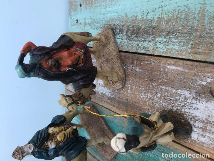 Figuras de Belén: FIGURAS BELÉN 3 REYES + 3 PAJES EN RESINA - Foto 3 - 195667297