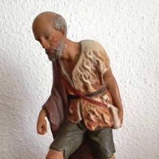 Figurines pour Crèches de Noël: MUY ANTIGUA FIGURA DE BELEN, ESTUCO DE OLOT, SERIE 20 CM. Lote 210183220