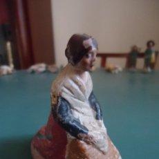 Figuras de Belén: ANTIGUA FIGURA DE BELÉN PESEBRE MURCIANO. LAVANDERA. Lote 211611307