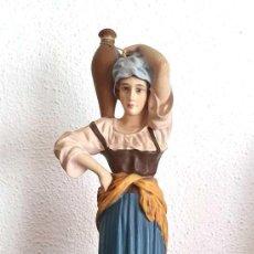 Figurines pour Crèches de Noël: ANTIGUA, BONITA Y BIEN CONSERVADA FIGURA DE BELÉN. PASTORA CON CÁNTARO. ESTUCO DE OLOT. SERIE 30. Lote 213376556