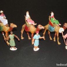 Figuras de Belén: VINTAGE- TRES REYES MAGOS CON SUS PAJES Y CAMELLOS - VER FOTOS DETALLE.. Lote 221741636
