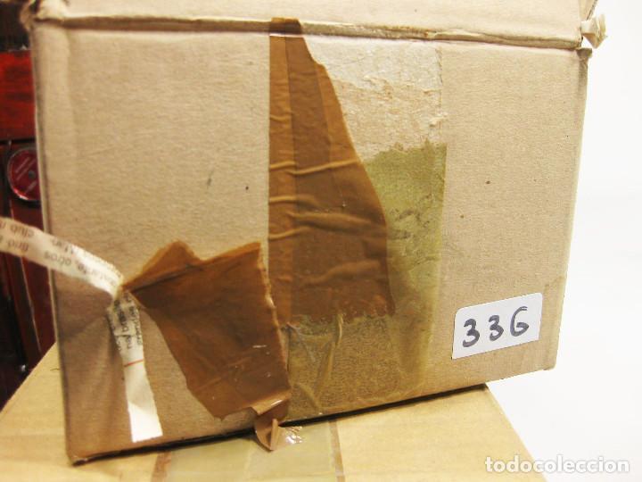 Figuras de Belén: Figuras de barro para nacimiento de 12 cm. Pastor con cesto de frutas a la espalda. - Foto 3 - 222045286