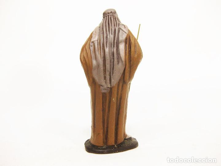 Figuras de Belén: Figuras de barro para nacimiento de 12 cm. Pastor con pan. - Foto 2 - 222046332