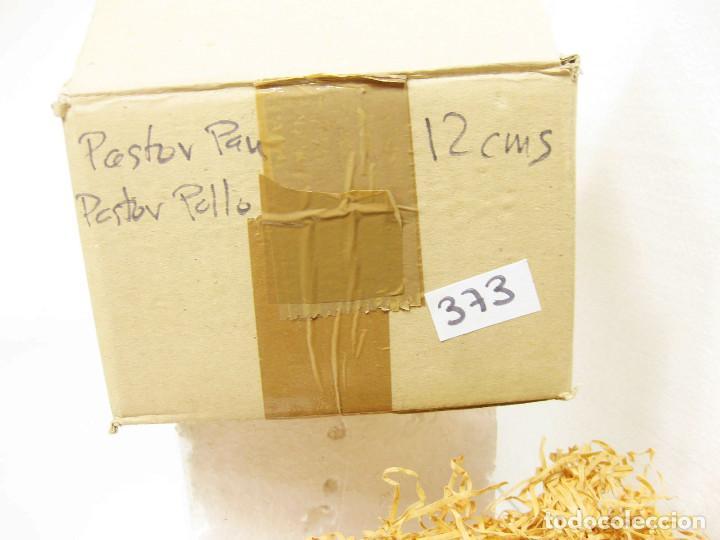 Figuras de Belén: Figuras de barro para nacimiento de 12 cm. Pastor con pan. - Foto 3 - 222046332