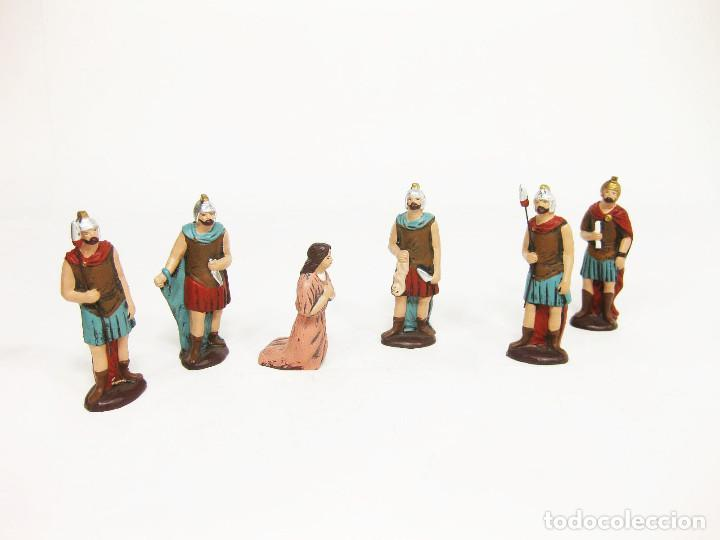 FIGURAS DE BARRO PARA NACIMIENTO DE 12 CM. ESCENA DE LA DEGOLLACIÓN. (Coleccionismo - Figuras de Belén)