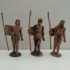 Figuras de Belén: TRES FIGURAS ANTIGUAS PARA BELÉN - PLÁSTICO PECH - VER FOTOS. Lote 222117707