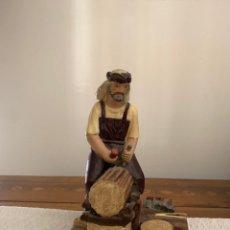 Figuras de Belén: LEÑADOR, FIGURA DE BELÉN, YESO PINTADO A MANO, 18 CM. Lote 222666191