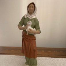 Figuras de Belén: PASTORA, FIGURA DE BELÉN, YESO PINTADO A MANO,20 CM ,. Lote 222666312
