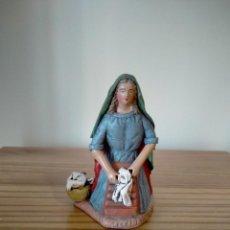 Figuras de Belén: ANTIGUA FIGURA PASTORA LAVANDERA ARTESANÍA MURCIANA BELÉN PESEBRE NACIMIENTO NAVIDAD. Lote 223246057