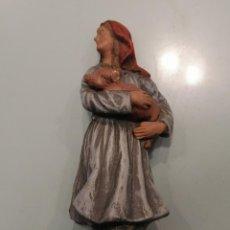 Figuras de Belén: PASTORA CON CERDITA ESTUCO MARCA RUZ (124). Lote 226612029