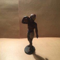 Figuras de Belén: ANTIGUA FIGURA DE BELEN DE BARRO FIRMADA DANIEL PERFECTO ESTADO 8,5 CM. ALTURA. Lote 228476260