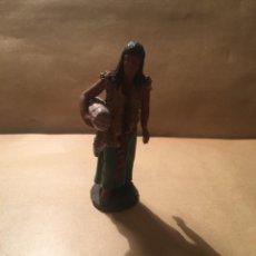 Figuras de Belén: ANTIGUA FIGURA DE BELEN DE BARRO FIRMADA DANIEL PERFECTO ESTADO 8 CM. ALTURA. Lote 228476790