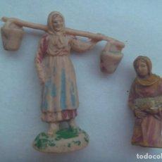 Figuras de Belén: LOTE DE 2 ANTIGUAS FIGURAS DE PLASTICO DEL BELEN : PASTORAS. Lote 296893608