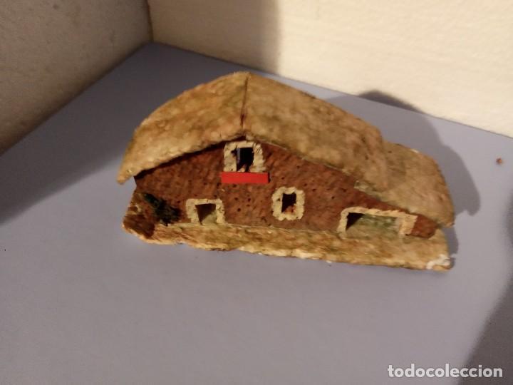 CASITA ANTIGUA DE CORCHO PARA BELEN (Coleccionismo - Figuras de Belén)