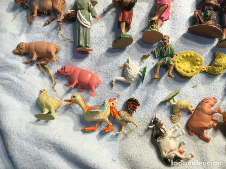 Figuras de Belén: Lote de 60 figuras de belén pesebre plástico años 70 imagino marca Reamsa, entre 6 y 7,5 cms. - Foto 6 - 231219665