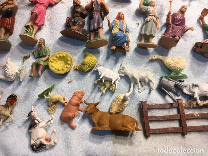 Figuras de Belén: Lote de 60 figuras de belén pesebre plástico años 70 imagino marca Reamsa, entre 6 y 7,5 cms. - Foto 7 - 231219665