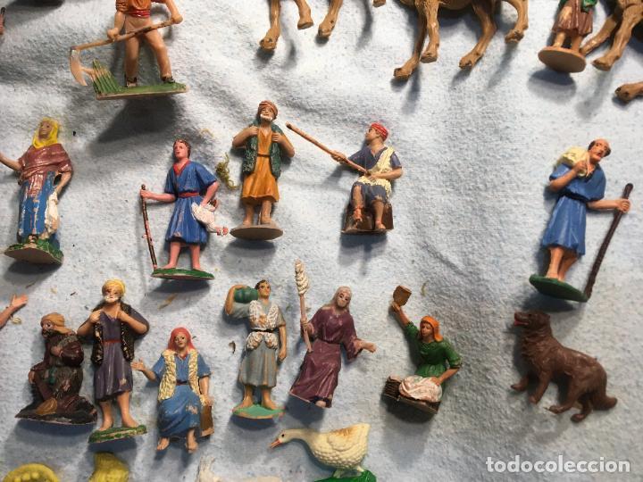 Figuras de Belén: Lote de 60 figuras de belén pesebre plástico años 70 imagino marca Reamsa, entre 6 y 7,5 cms. - Foto 10 - 231219665