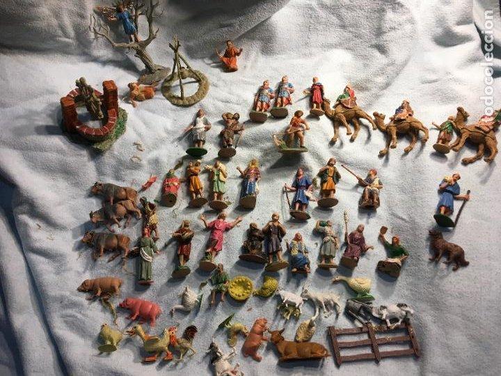 Figuras de Belén: Lote de 60 figuras de belén pesebre plástico años 70 imagino marca Reamsa, entre 6 y 7,5 cms. - Foto 3 - 231219665