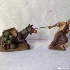 Figurines pour Crèches de Noël: 2 ANTIGUAS FIGURAS EN TERRACOTA PARA BELEN , ORIGINALES CON SELLO ANTIGUO COMERCIO MURCIANO 1930. Lote 231388710