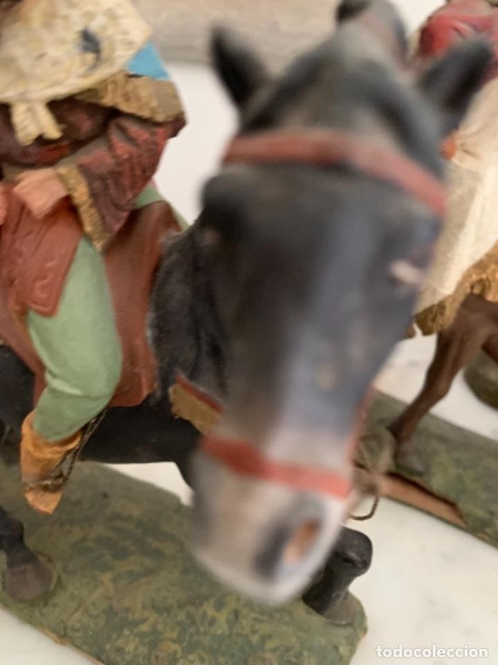Figuras de Belén: Figuras pesebre Reyes Magos Terracota Olot 22 20 y 27 cm - Foto 25 - 234490990