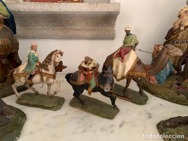 FIGURAS PESEBRE REYES MAGOS TERRACOTA OLOT 22 20 Y 27 CM (Coleccionismo - Figuras de Belén)