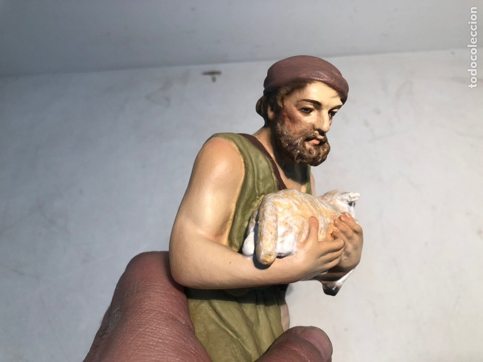 Figuras de Belén: FIGURA BELEN, PASTOR CON CORDERO EN BRAZOS. SERIE 20 ARTE CRISTIANO OLOT - Foto 3 - 234737890