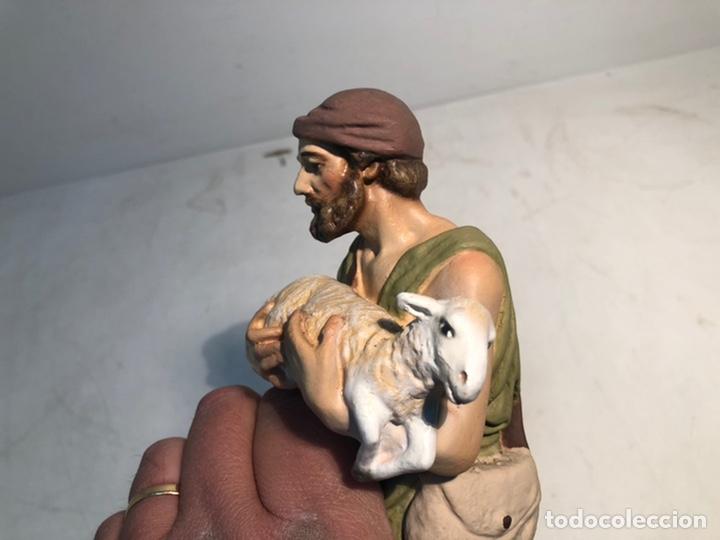 Figuras de Belén: FIGURA BELEN, PASTOR CON CORDERO EN BRAZOS. SERIE 20 ARTE CRISTIANO OLOT - Foto 7 - 234737890