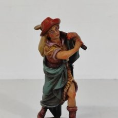 Figuras de Belén: PRECIOSA FIGURA DE BELÉN, NACIMIENTO - PASTOR - MADERA POLICROMADA - FIRMA ESCULTOR JUAN MONTERO. Lote 240381980