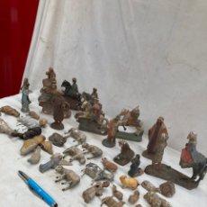 Statuine di Presepe: GRAN LOTE DE FIGURAS DE BELEN,DE BARRO!1800-1900. Lote 242894620