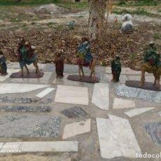 Statuine di Presepe: ¡¡¡¡POR TAN SÓLO 1€ MAGNÍFICO LOTE DE BELÉN MURCIANO!!!!!! **3 REYES MAGOS Y SUS PAJES**. Lote 243325615