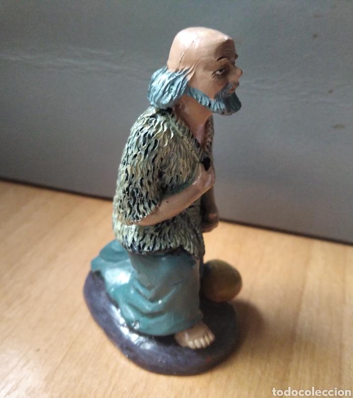 Figuras de Belén: Figura Belén pastor con pan escayola / 9 x 6 x 5 cm - Foto 3 - 246785195